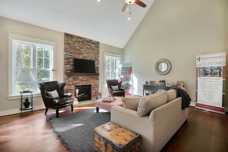 11400-barrows-ridge-lane-large-008-7-family-room-1500x1000-72dpi