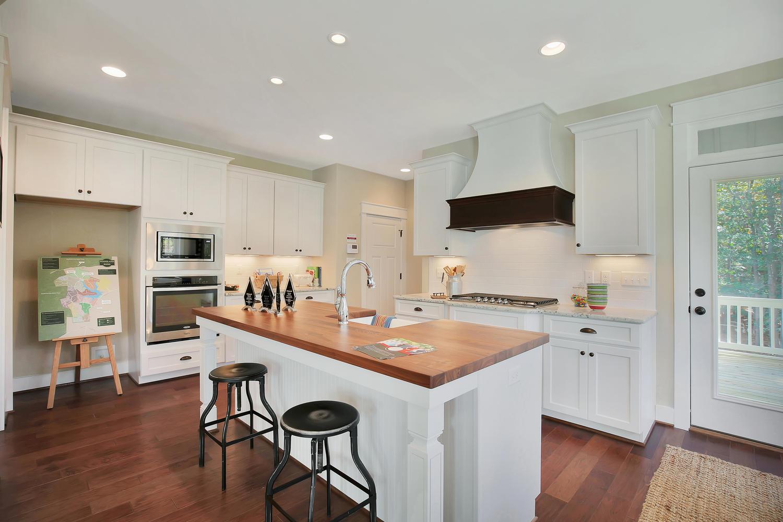 11400-barrows-ridge-lane-large-016-17-kitchen-1500x1000-72dpi