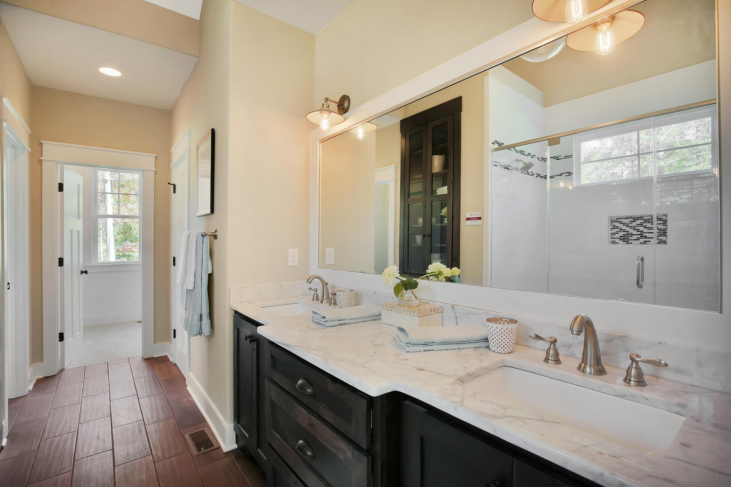 11400-barrows-ridge-lane-large-023-18-master-bath-1500x1000-72dpi