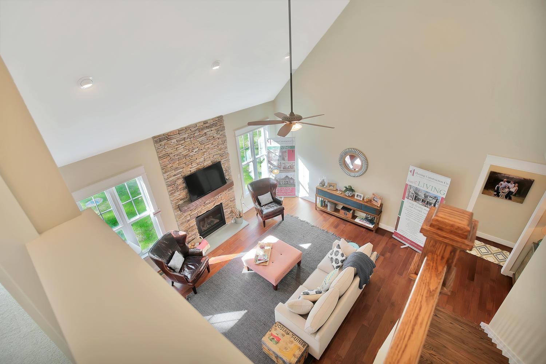 11400-barrows-ridge-lane-large-036-32-family-room-1500x1000-72dpi