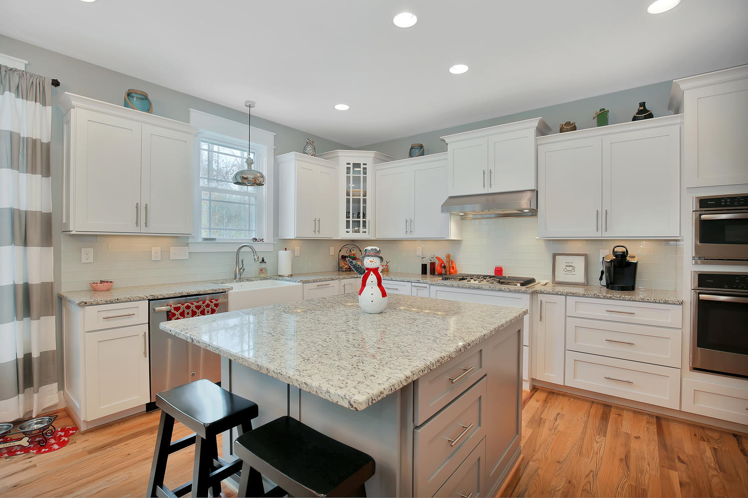 7813-rock-cress-dr-moseley-va-large-010-2-kitchen-1500x1000-72dpi