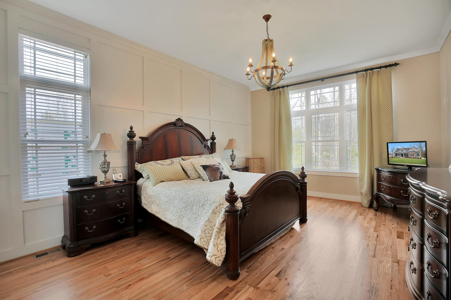 7813-rock-cress-dr-moseley-va-large-018-17-master-bedroom-1500x1000-72dpi