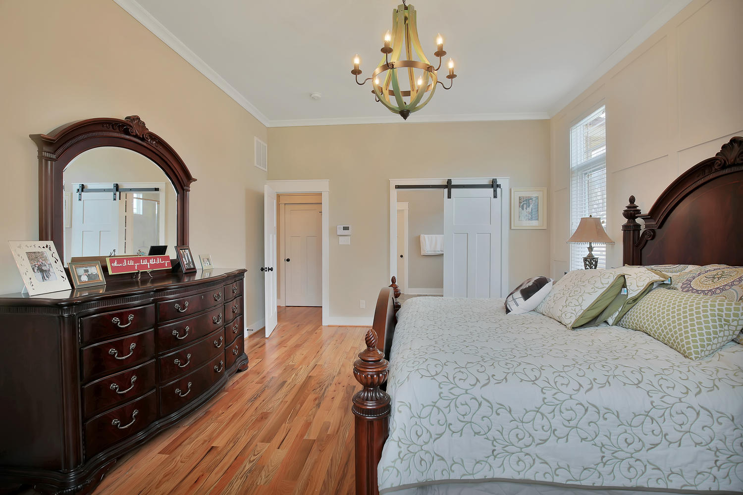 7813-rock-cress-dr-moseley-va-large-019-29-master-bedroom-1500x1000-72dpi