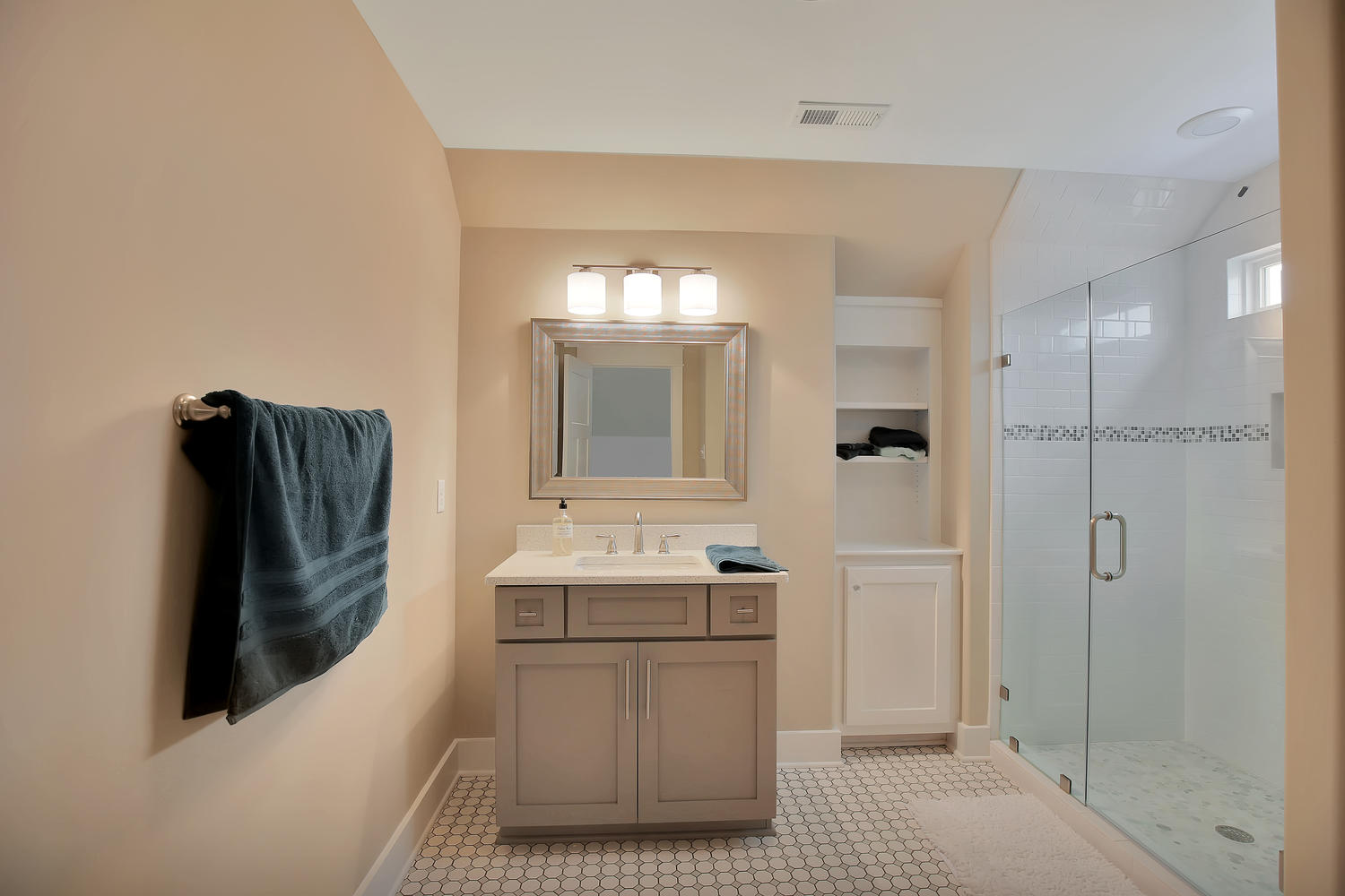 7813-rock-cress-dr-moseley-va-large-031-28-bathroom-1500x1000-72dpi