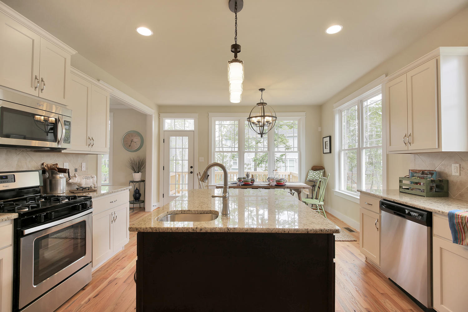 3231-canford-loop-midlothian-large-015-15-kitchen-1500x1000-72dpi