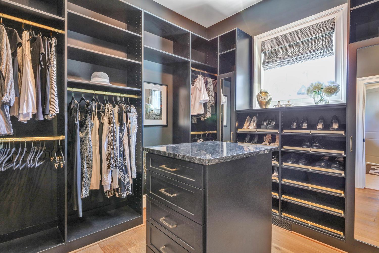 7204-bonallack-bend-midlothian-large-034-37-master-closet-1500x1000-72dpi