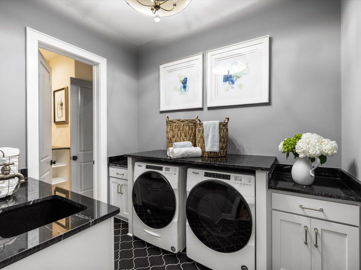 30-laundry-room