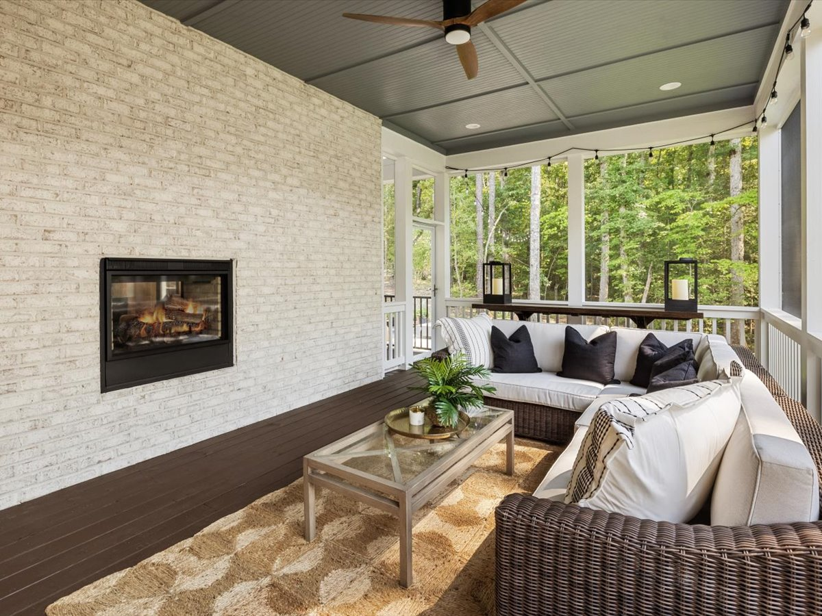 70-screened-in-porch